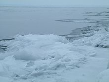 LakeSuperior_from_Duluth_in_Winter